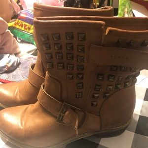 Tan rhinestone forever 21 boots, size 7.